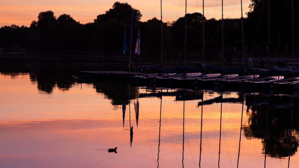 Boote, See bei Sonnenuntergang