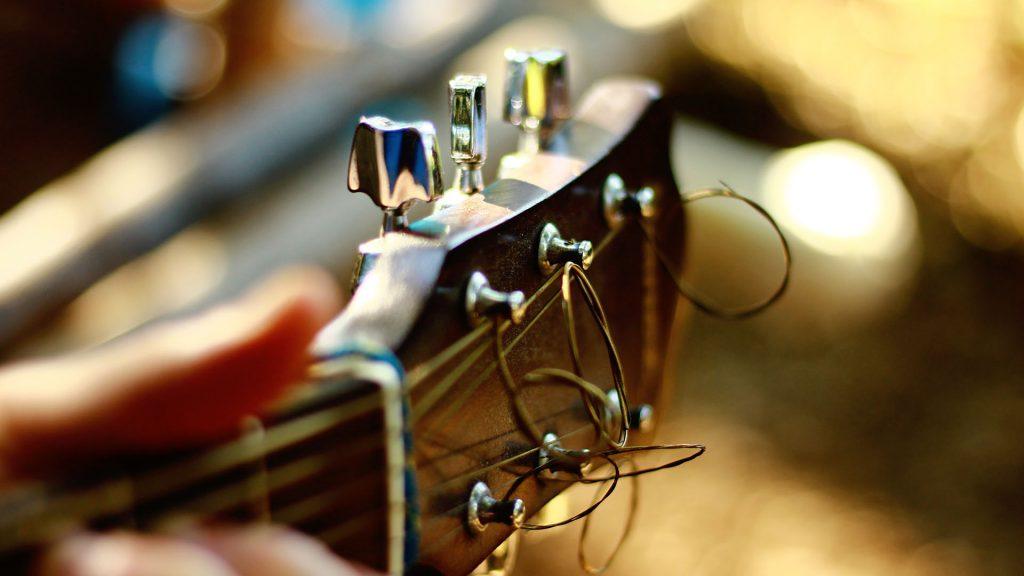 Gitarre mit Strings