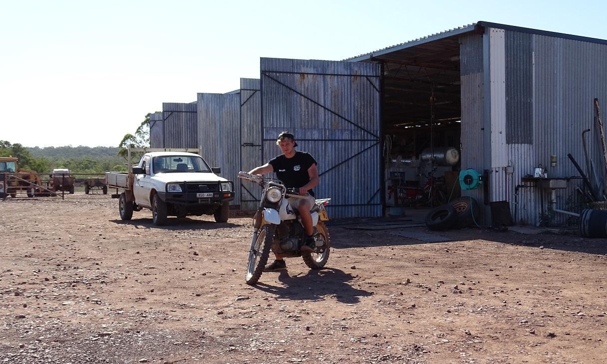 Motorradfahren im Outback