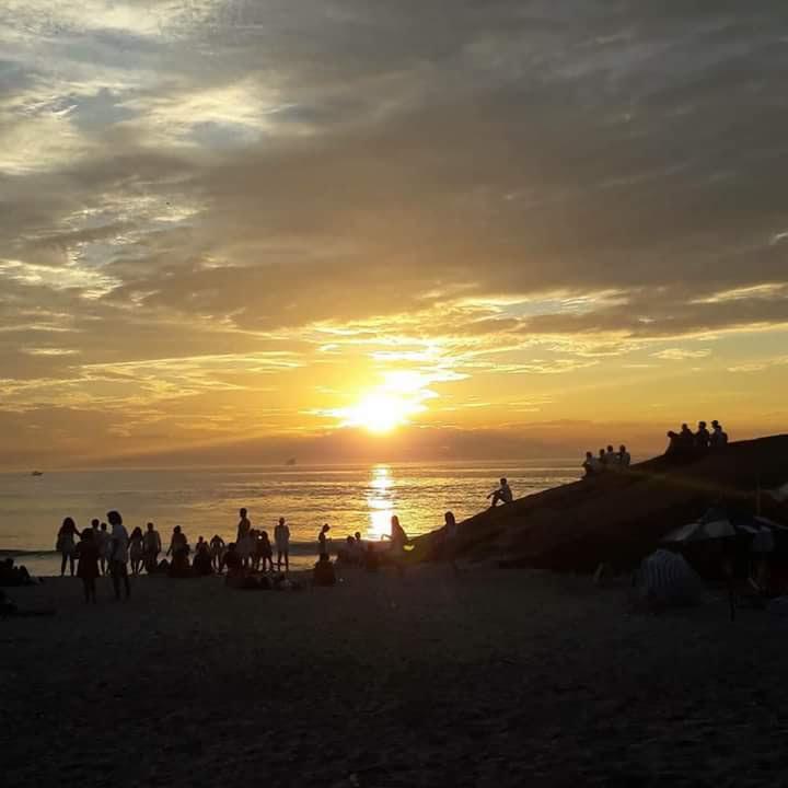 Sonnenaufgang am 1. Januar 2018 am Arpoador-Ipanema