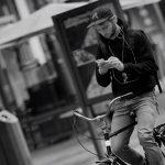 Handy auf dem Fahrrad
