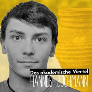 Portrait von Hannes Buchmann vor gelbem Hintergrund, man erkennt schemenhaft ein Tongefaess