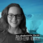 Portrait von Maria-Elena Vorrath vor einem Eisberg